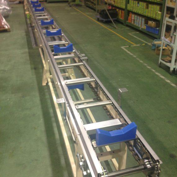 Băng tải vận chuyển ống thép